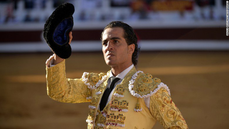 Spanish matador Iván Fandiño died Saturday after being gored to death during a bullfight https://t.co/vmYH1pnyug