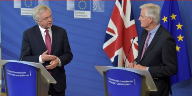 David Davis and Michel Barnier size each other up at Brexit talk https://t.co/ErC4T63c5W