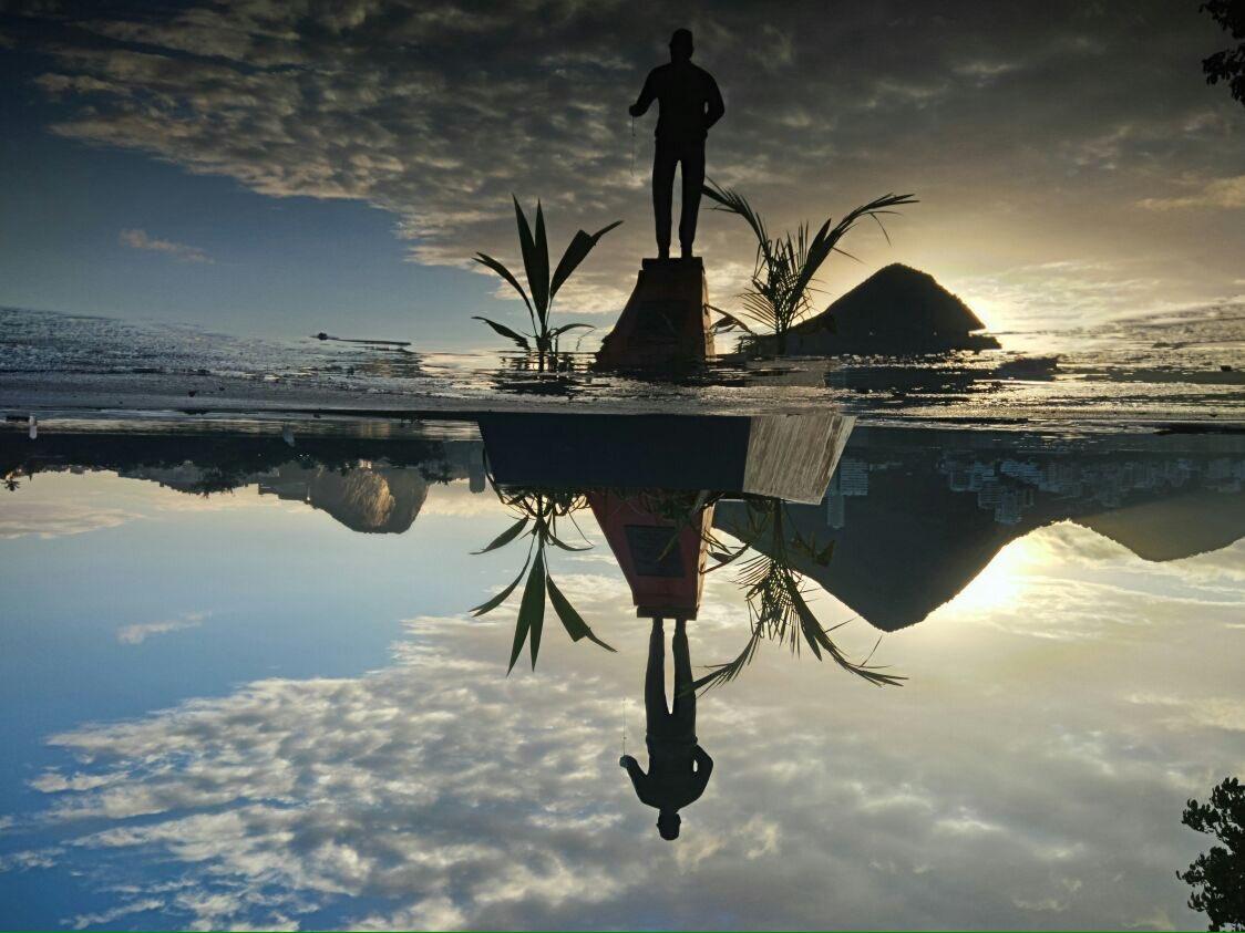 Seja na terra, seja no mar... ❤🖤  Bom dia com esse lindo clique do nosso atleta do remo Pedro Drummond, na Sede Náutica da Lagoa!