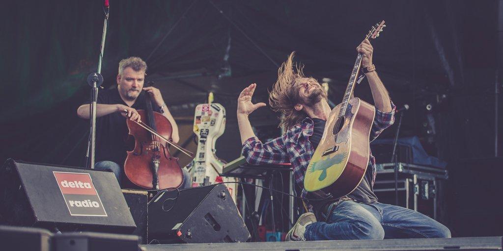 Pohlmann @Pohlmannmusic auf der Hörn-Bühne der Kieler Woche @KiWoOnline - alle Bilder unter https://t.co/zIhoAW7VsF https://t.co/ByjzjulTEf