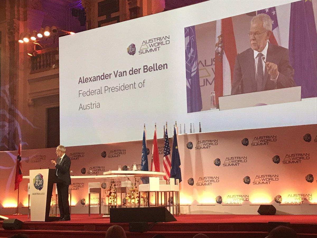 President @vanderbellen  congratulates @LaurentFabius  for his great leadership as President of the #Cop21  #R20AWS #ClimateAction<br>http://pic.twitter.com/QQmBPGtA8r