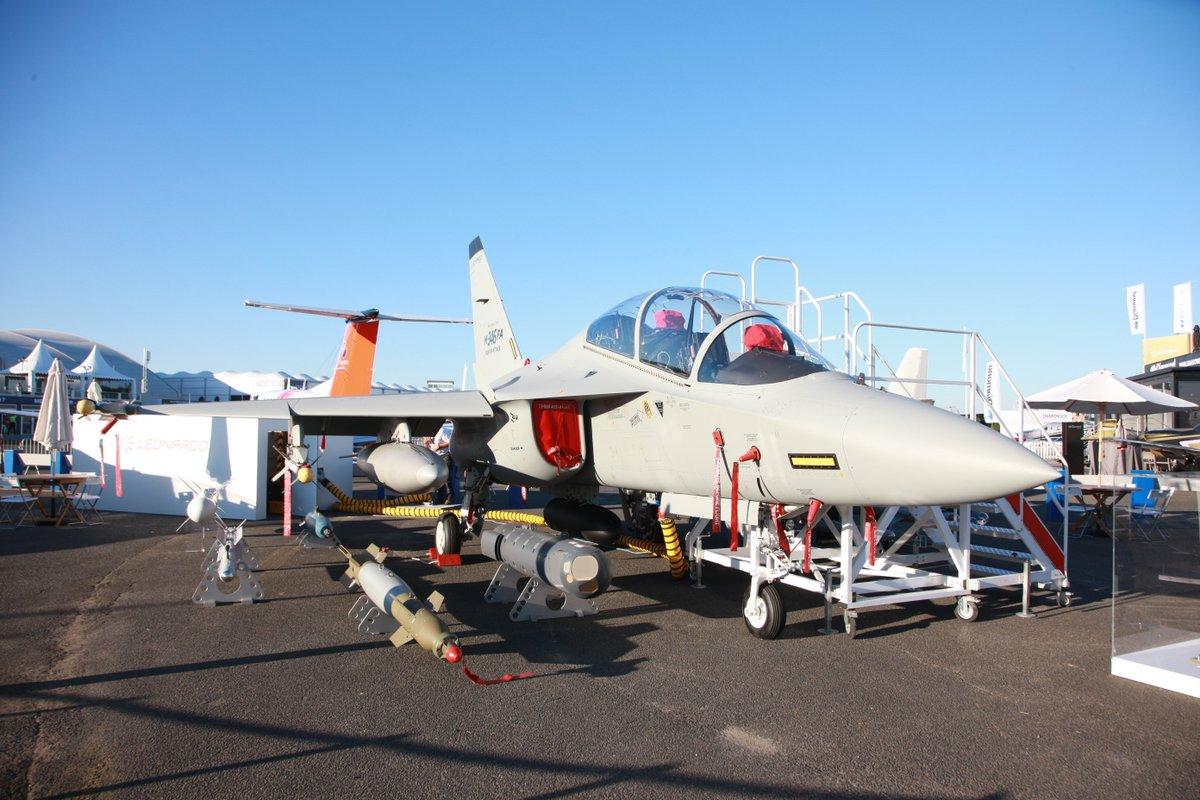 طائرة التدريب المتقدم m346 - صفحة 2 DCwW6zxXgAAt8CS