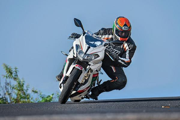 #DSK #Benelli 302R #India bookings open &gt;&gt;  http:// ow.ly/uWYn30cJJHT  &nbsp;  <br>http://pic.twitter.com/F25HlpI5Bh