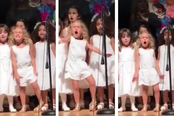 VIDEO: 4-year-old girl steals show at pre-k graduation with passionate &#39;Moana&#39; singing. #WakeUpWith10  http:// news10.com/2017/06/20/vid eo-4-year-old-girl-steals-show-at-pre-k-graduation-with-passionate-moana-singing/ &nbsp; … <br>http://pic.twitter.com/o8U92JIfGu