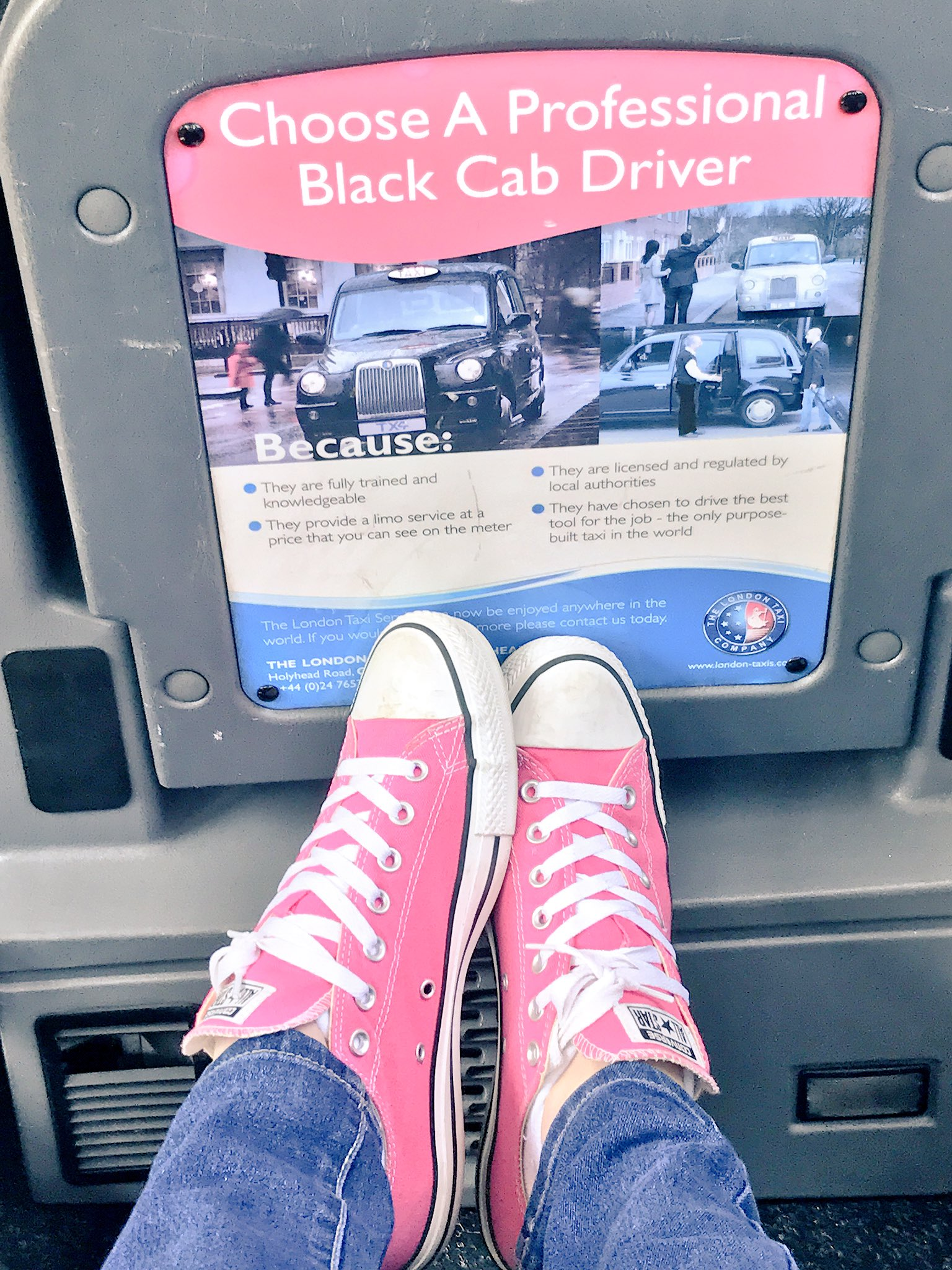 It's a pink converse kind of day . X https://t.co/s2N9UO4OSM
