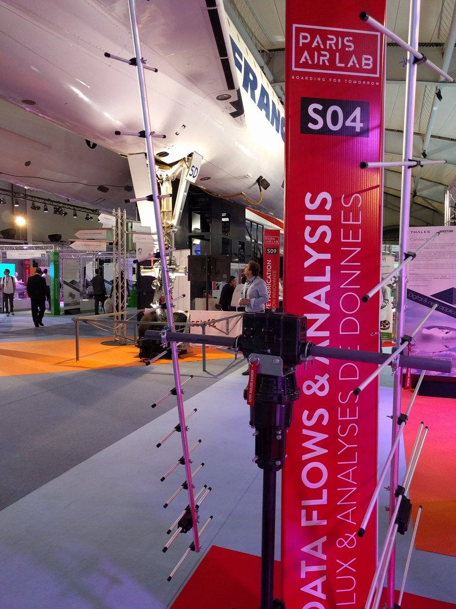 Proud to talk about @SatNOGS and @LibreSpace_Fnd at @SalonDuBourget under the Concorde ;) #Spatial #Libre au #Bourget2017<br>http://pic.twitter.com/fAvPp68ciG