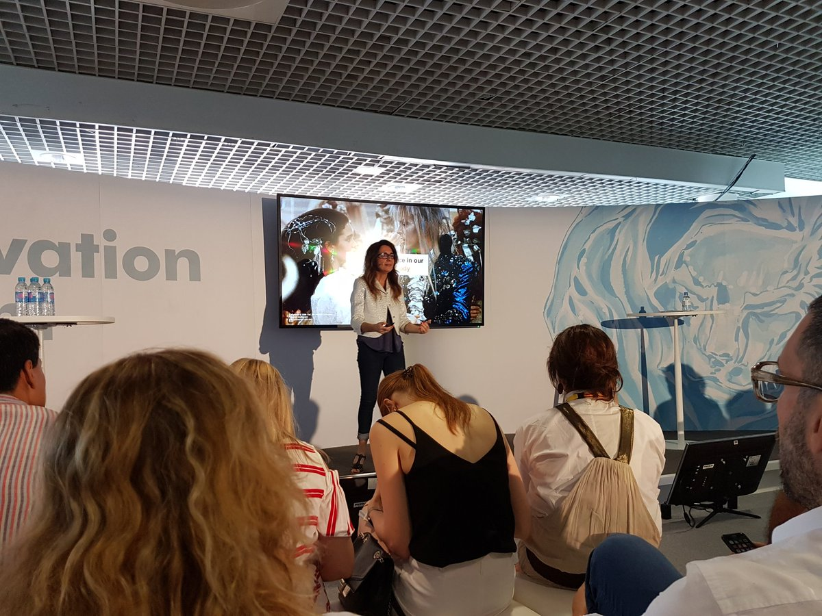 #Cannes2017 &#39;Data can ONLY track explicit behaviour&#39; @ccoppoli @AccentureACTIVE<br>http://pic.twitter.com/2Wbts5enwJ
