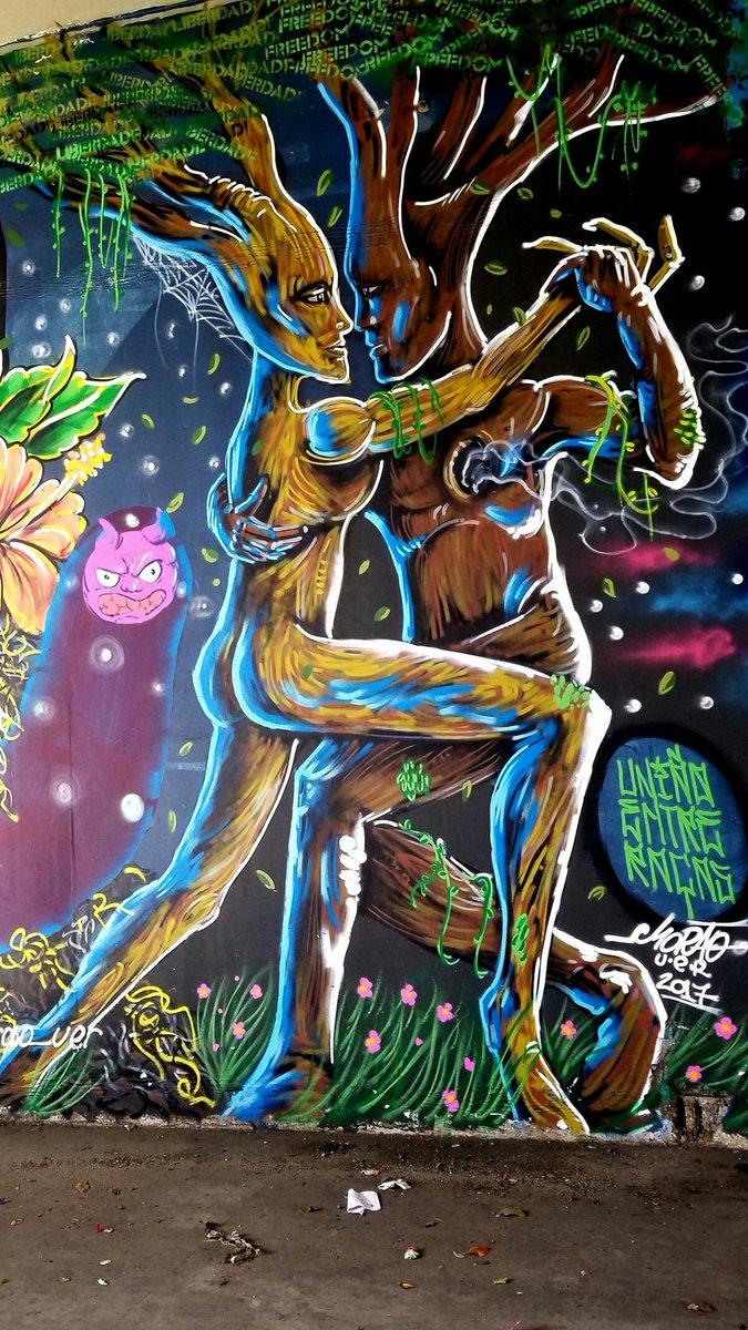 Street art &quot;tango trees&quot; #Saopaulo #Bresil <br>http://pic.twitter.com/C0gWgwUitN