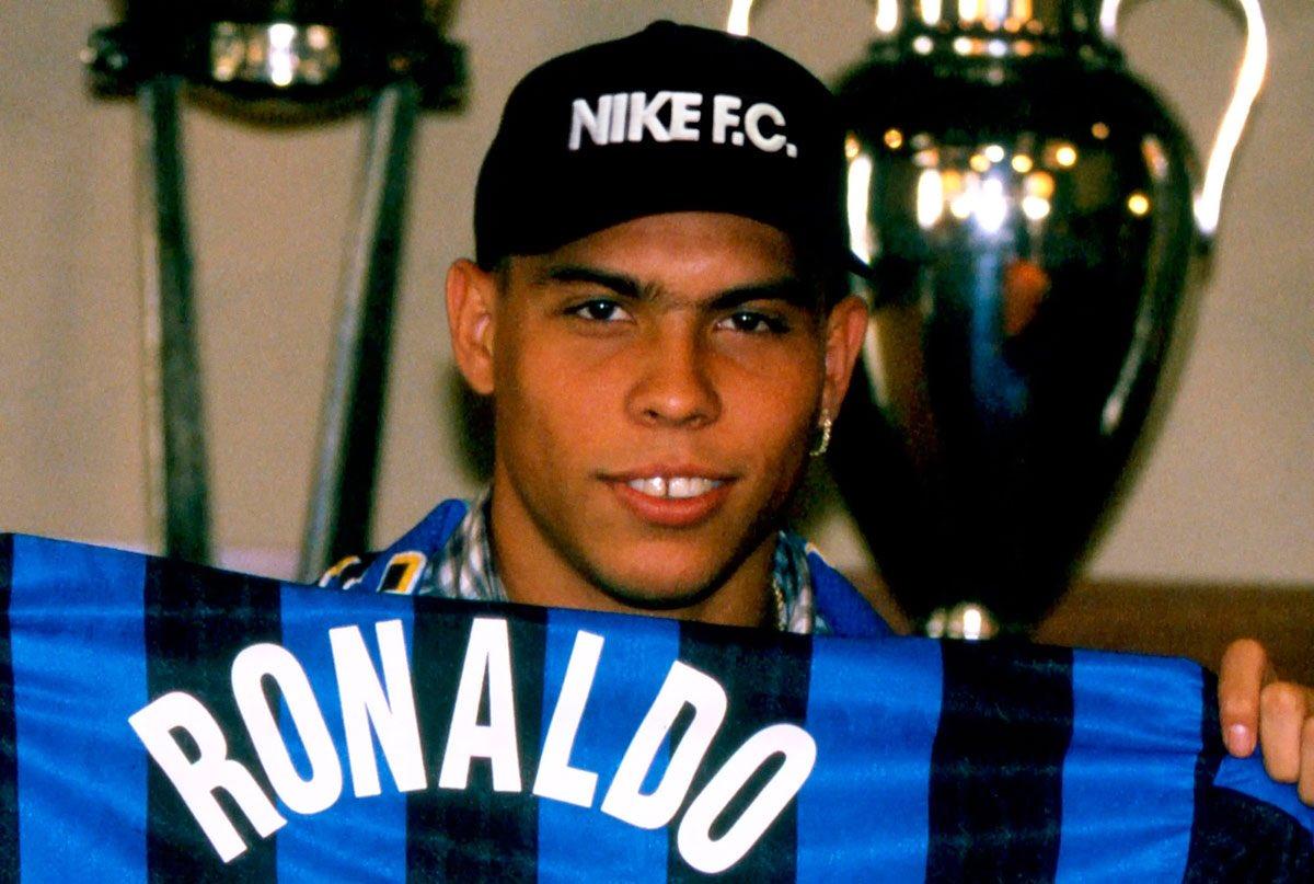 Il y a 20 ans, jour pour jour, l'Inter recrutait Il Fenomeno Ronaldo ⚫🔵