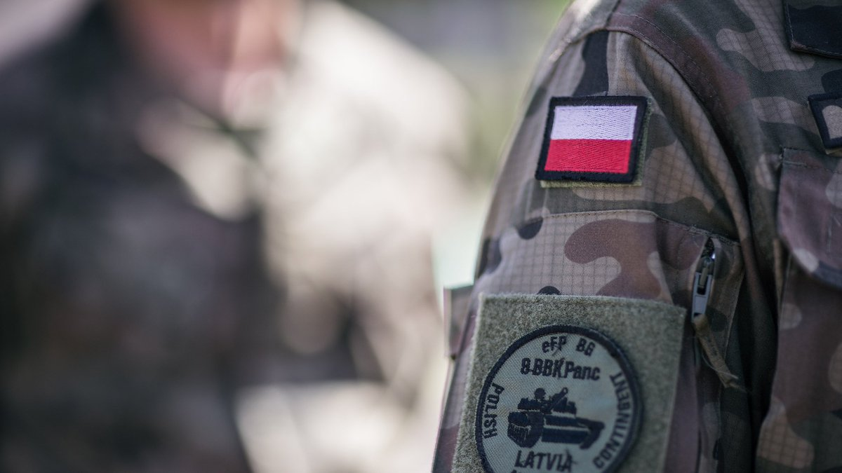 .@NATO  #POL  not only received #eFP #BattleGroup but also contributes to #BGLVA - #PMCLatvia during #eFP opening ceremony in #Adazi <br>http://pic.twitter.com/SOO6mGDY2o