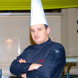 #Chef Wael combines Arabic &amp; Mediterranean #cuisines with an International twist ! You&#39;ll love to try his #food ! &gt;&gt; http:// ow.ly/MQlU30czPKI  &nbsp;  <br>http://pic.twitter.com/3HwJMVWxKI
