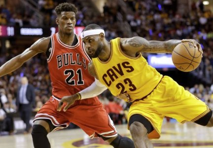 JUST IN: Sources out of Cleveland say #Bulls Jimmy Butler will push for trade to #Cavaliers https://t.co/EemliqAY1k https://t.co/r8hXbSM9M0