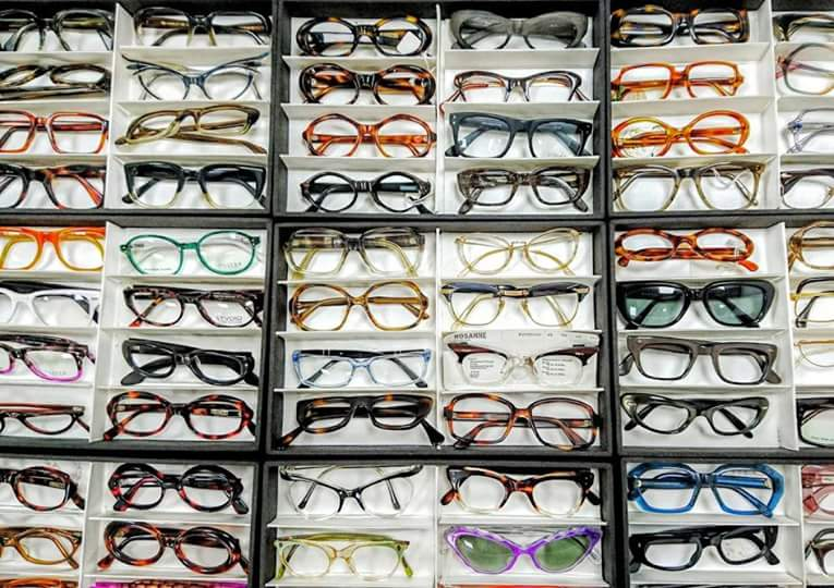 If you need #glasses and you don&#39;t get your #specs from the @eyedresser  then you&#39;re missing out! And he&#39;s here this Thursday 22nd July!<br>http://pic.twitter.com/sfg1RUIve5