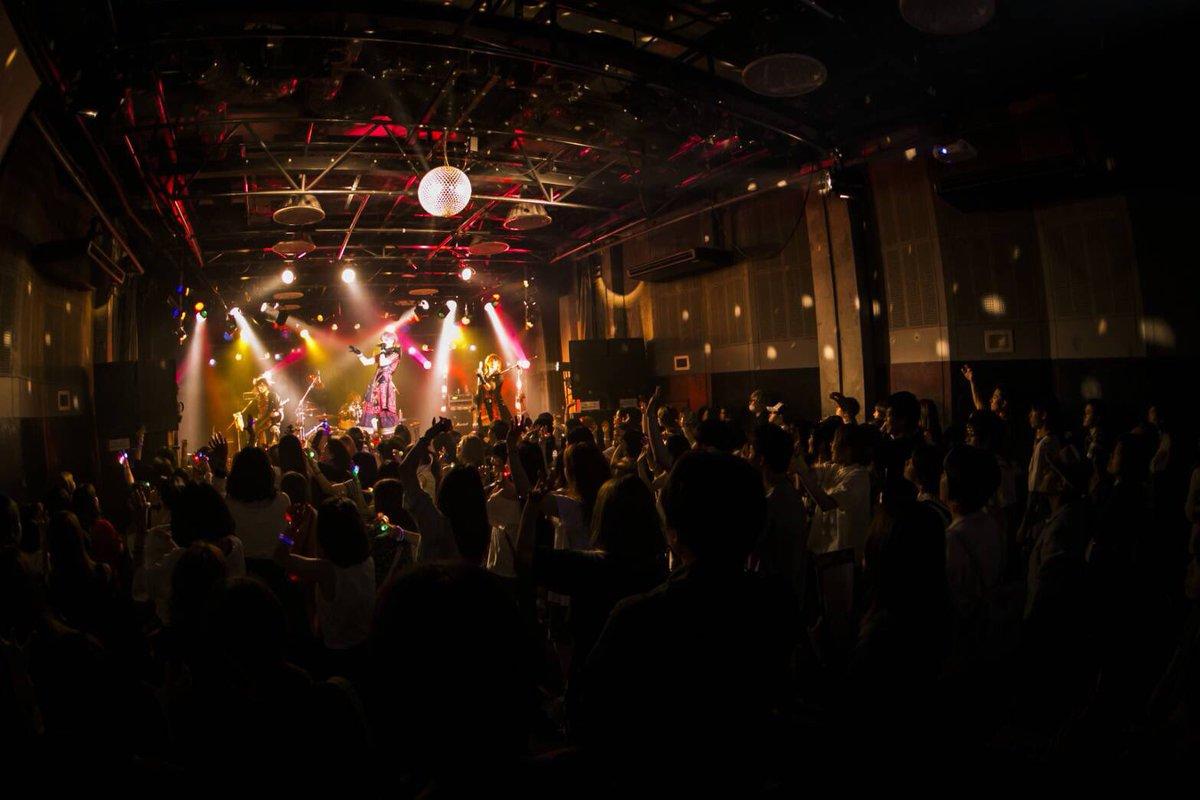メガパープル@大阪MUSEありがとうメガロとの共演本当に楽しかった。尊敬できる相手だからこそ僕達も感…