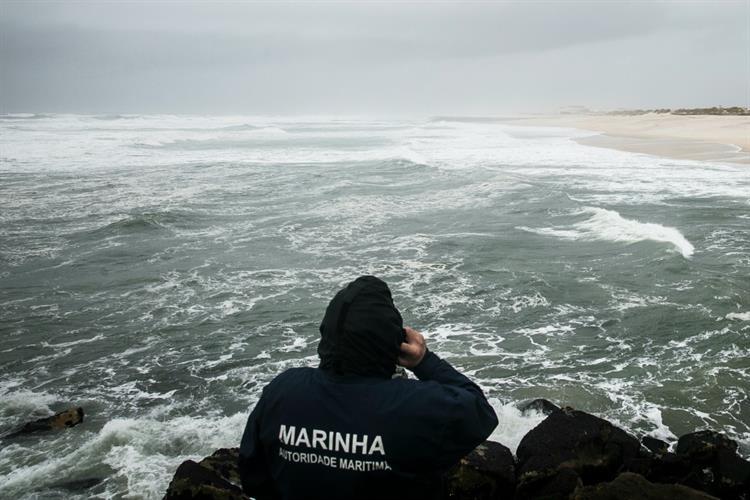Homem morre após banho em praia não vigiada de Viana do Castelo https://t.co/IB31ecXor4