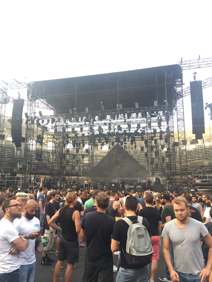 Ready for @systemofadown ! #bonheur #nimes #arenes @ArenesdeNimes<br>http://pic.twitter.com/cFNSx4Am34