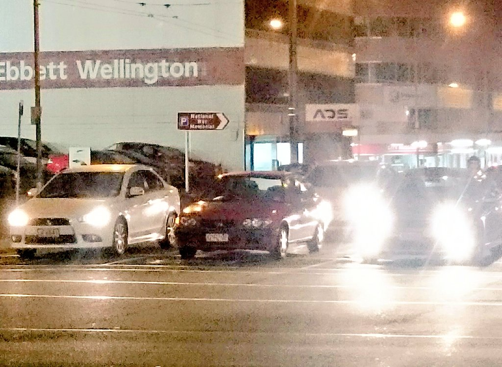 It #scares me how many drivers in #Wellington don&#39;t use #headlights. I notice one every two days. <br>http://pic.twitter.com/gvVg4a1ePq