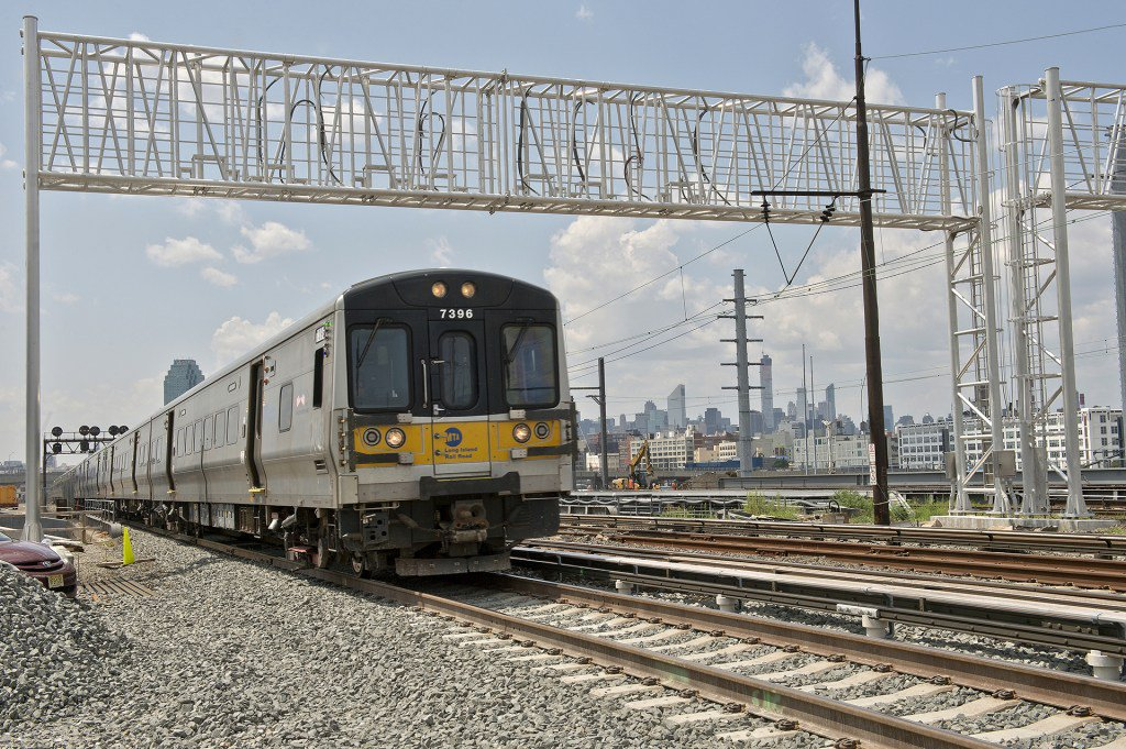 From earlier today: @LIRR to cut summer fares by up to 25% #LIRR https...