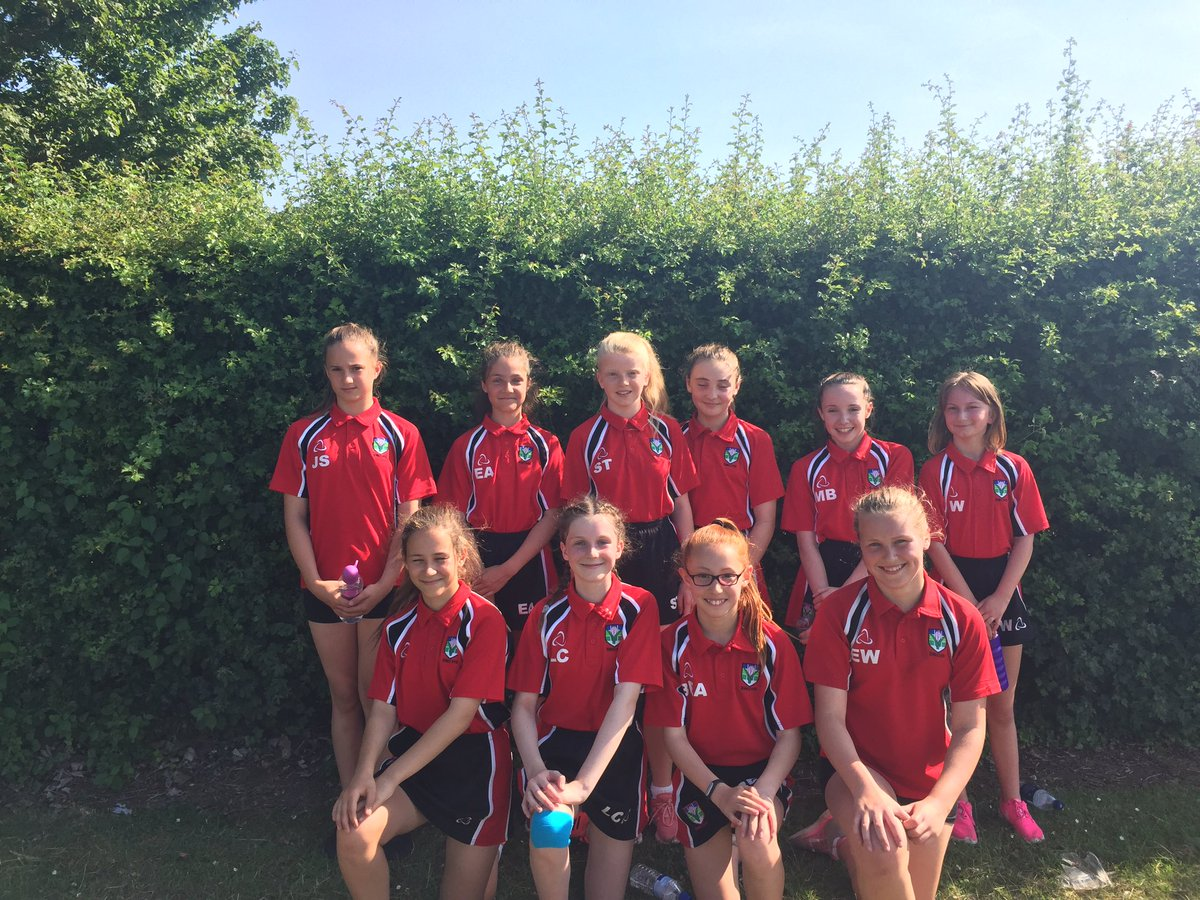 A lovely afternoon for a game of Rounders. Excellent play from year 7 against Leventhorpe #winners #rounders #teamwork #fielding #batting<br>http://pic.twitter.com/D0aI8DlMXY