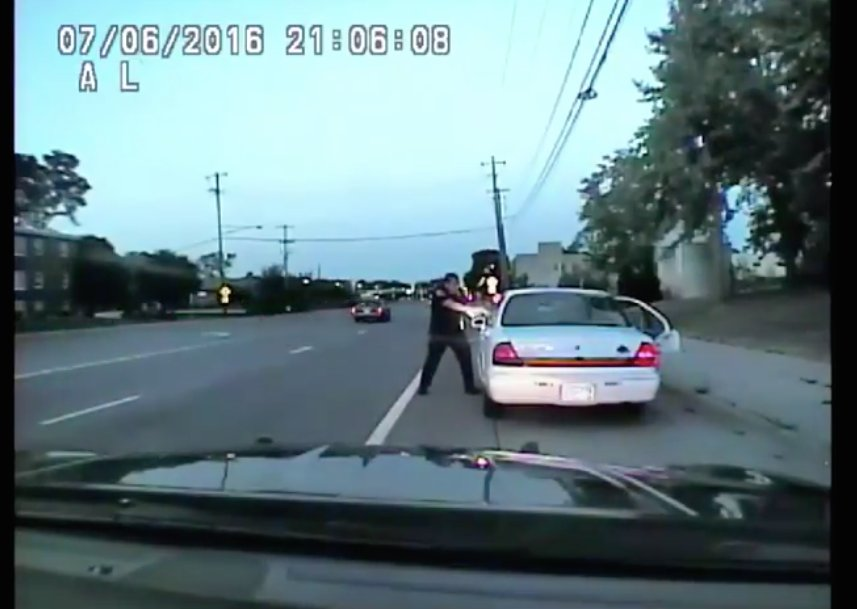 BREAKING: Police dashcam footage of the #PhilandoCastile shooting has been released https://t.co/Am9CVrXOmy https://t.co/gr7W9hvuYJ