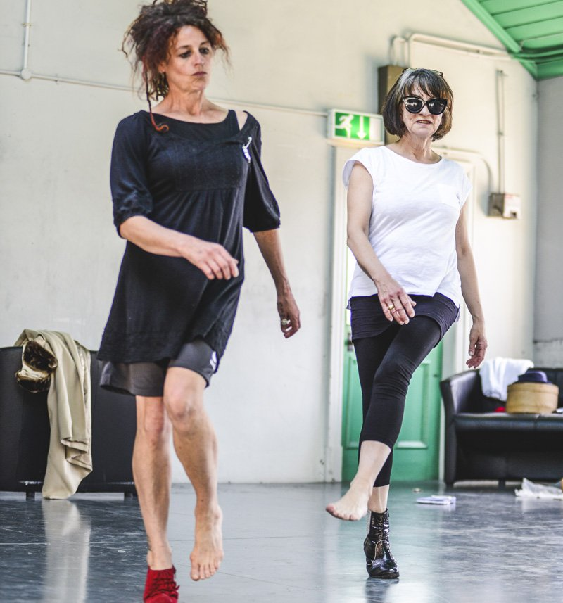 Join us for #access performances of #MomentosCDF next week @chaptertweets. Tony Evans #BSL &amp; @wordofmouth74 #AD  https://www. chapter.org/momentos  &nbsp;  <br>http://pic.twitter.com/ZYCEnEBGpO