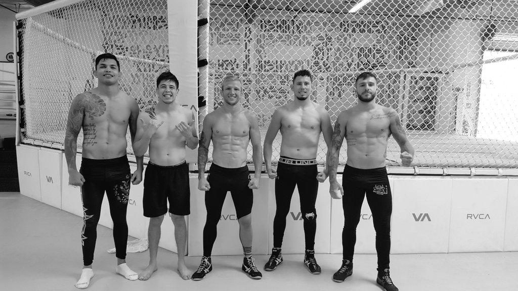 Morning training #RVCA #TheAssassinBabyTeam #UFCMEXICO #5DEAGOSTO #MorenoVSPettis 👊🔥 https://t.co/BH3Mne7o64