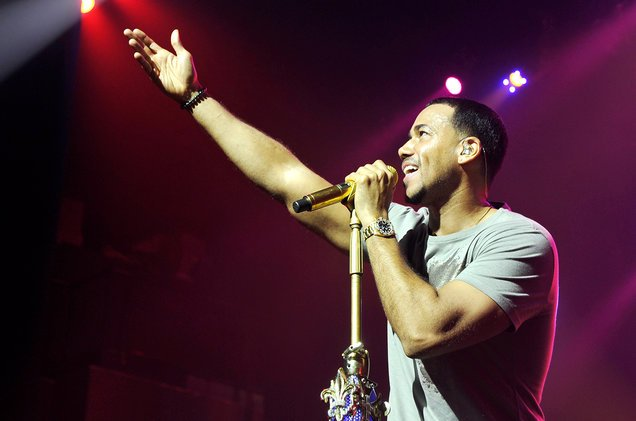 .@RomeoSantosPage to celebrate his birthday by releasing new album #Golden  http:// blbrd.cm/5t3wxX  &nbsp;  <br>http://pic.twitter.com/qJRXBlDv9P