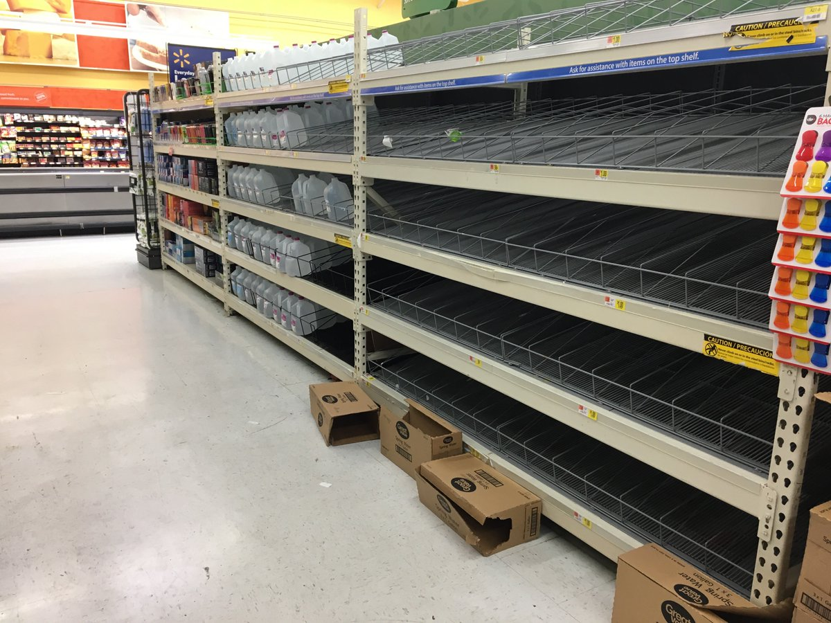 Paul Bergen On Twitter Southeast Texans Rushing Stores For Water