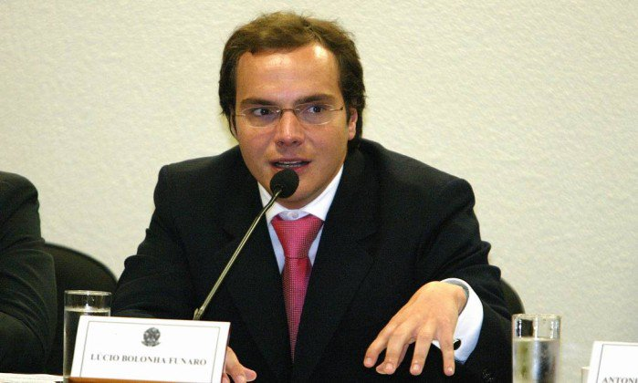 Funaro diz que Temer orientou distribuição de dinheiro desviado da Caixa e sabia de propina na Petrobras. https://t.co/JbOkOlrsCC
