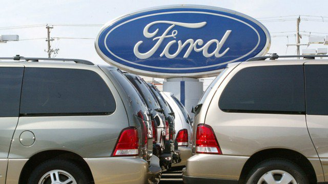 Ford to move factory to China after Trump pressures company not to move to Mexico: https://t.co/hH04j8GMTk https://t.co/SxCYWVWt4J