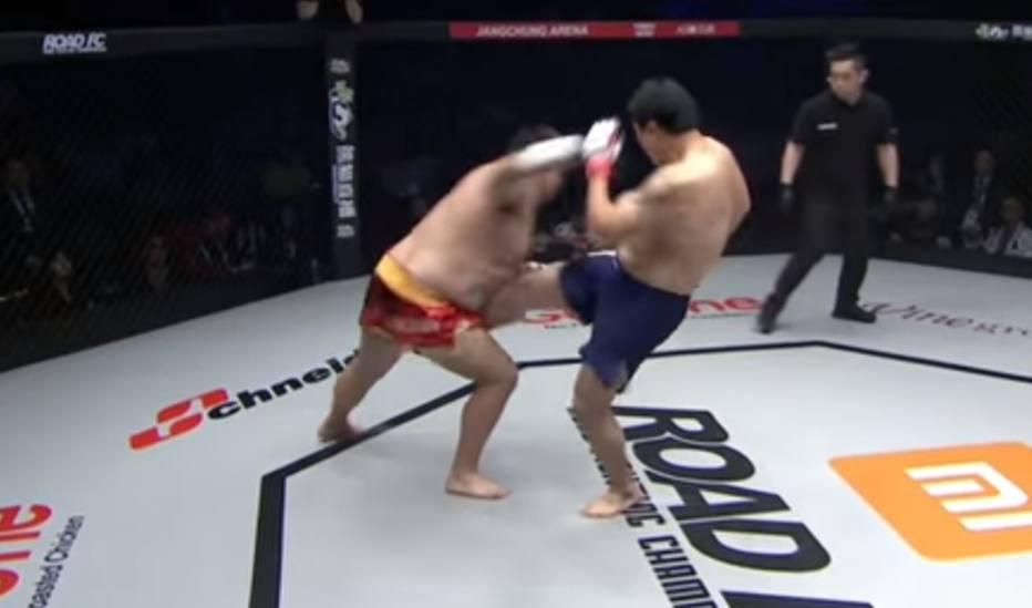 OUCH: Lutador de MMA chora e para no hospital após chute 'nos países baixos'; assista https://t.co/LvaGAzj7EB