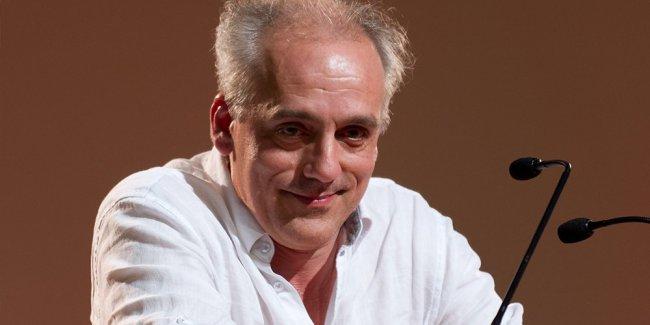 Philippe Poutou condamné par la justice pour dégradations #justice #ford #PhilippePoutou   http://www. buzger.com/fr/philippe-po utou-condamne-par-la-justice-pour-degradations.html  … pic.twitter.com/yVFYAzoSxJ