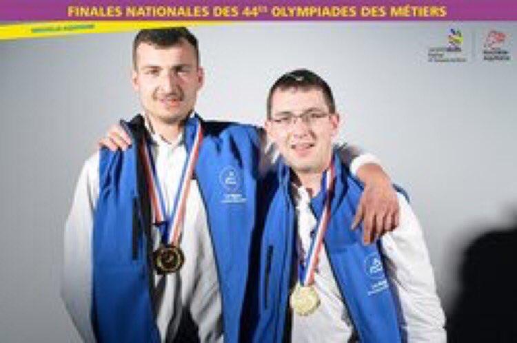 5 jeunes de la Région en équipe de France des 44èmes Olympiades  #ODM2017 #MDM2017 bilan https://t.co/spvmkCU8x0