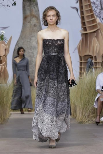 Take a Look at the @Dior Couture Fall 2017 Collection #DiorCouture