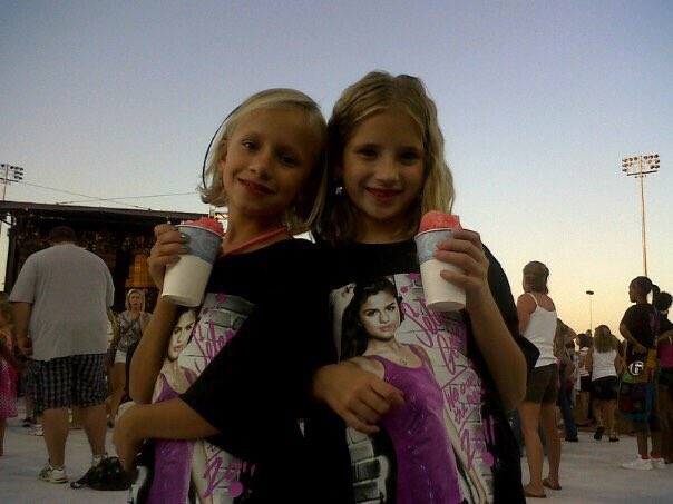 Happy birthday ! enjoy this old picture of us at the selena gomez concert lol