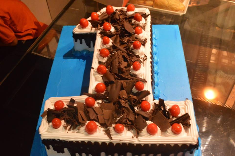 Benarasbakery Customized Cakes Online Cake Delivery In Varanasi Birthday Anniversary Gift Order Now