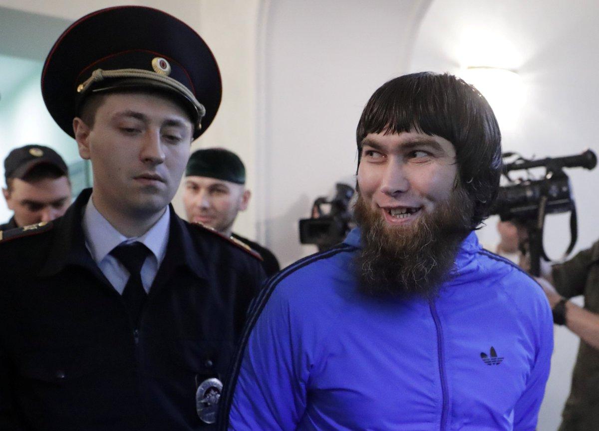 Anzor Goubachev, un des assassins de Nemtsov. RT si tu ne le prends pas en stop, fav si tu ne prends pas en stop.(REUTERS/Tatyana Makeyeva)