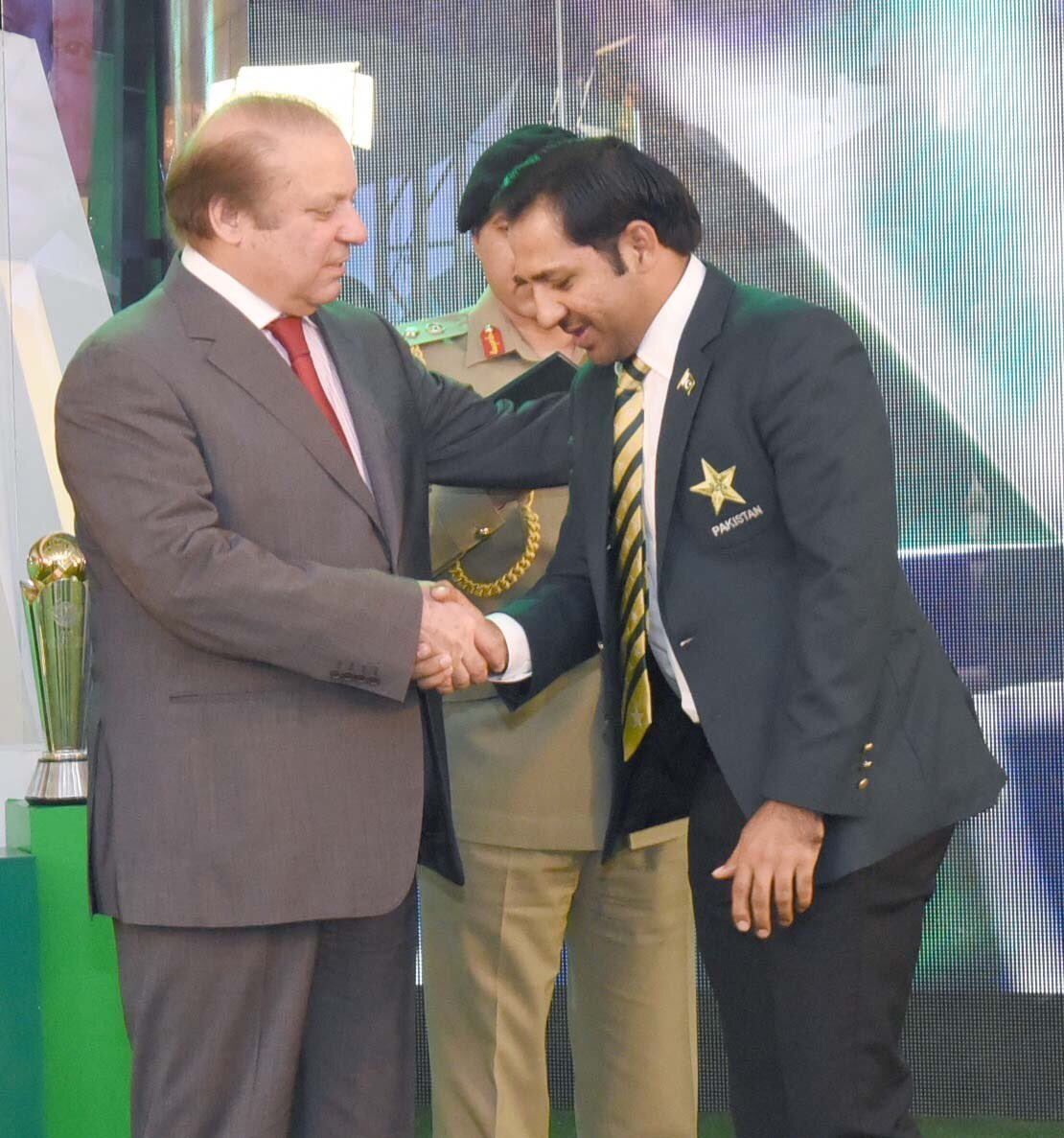 Sarfraz takes Pakistan Test captaincy