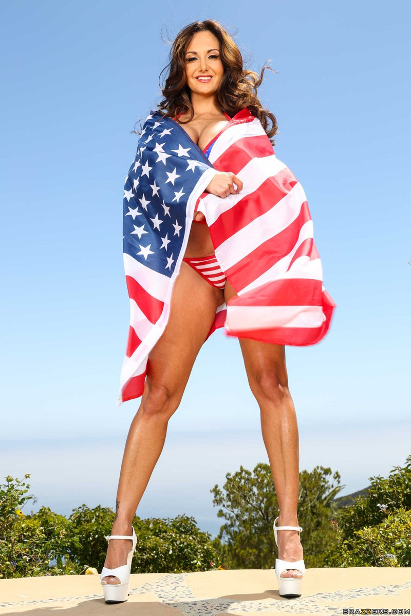 "cadinho meireles on twitter: ""happy 4th of july! @avaaddams 😍🇺🇸… """