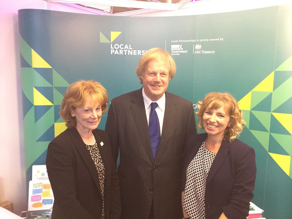 .@LP_localgov Chair Sir David Wootton with our Energy lead Vicky & Housing lead Judith #LGAconf17 #localgov