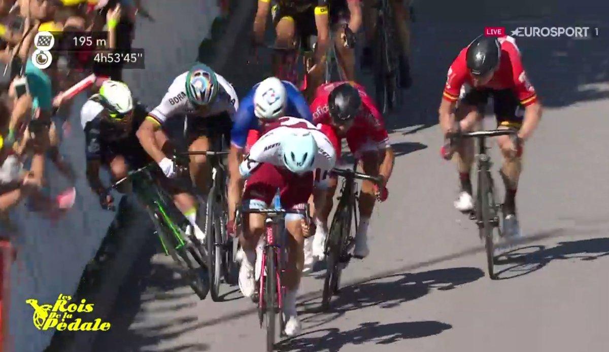 Tour de France 2017 - Page 3 DD5o5HhXgAI3lyR