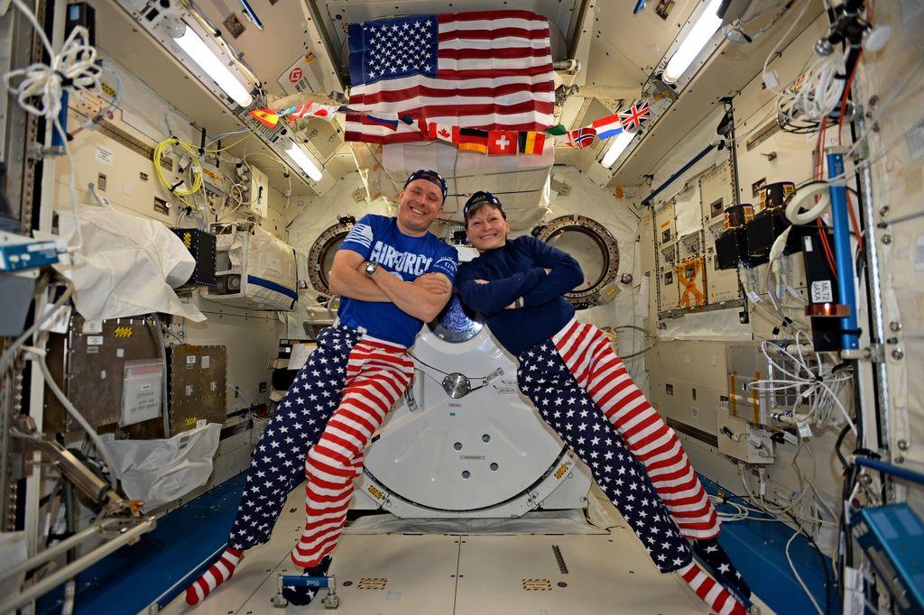 Happy Fourth of July From the Space Station via NASA https://t.co/oMEJAjjPRv https://t.co/ygxmBwdA1E