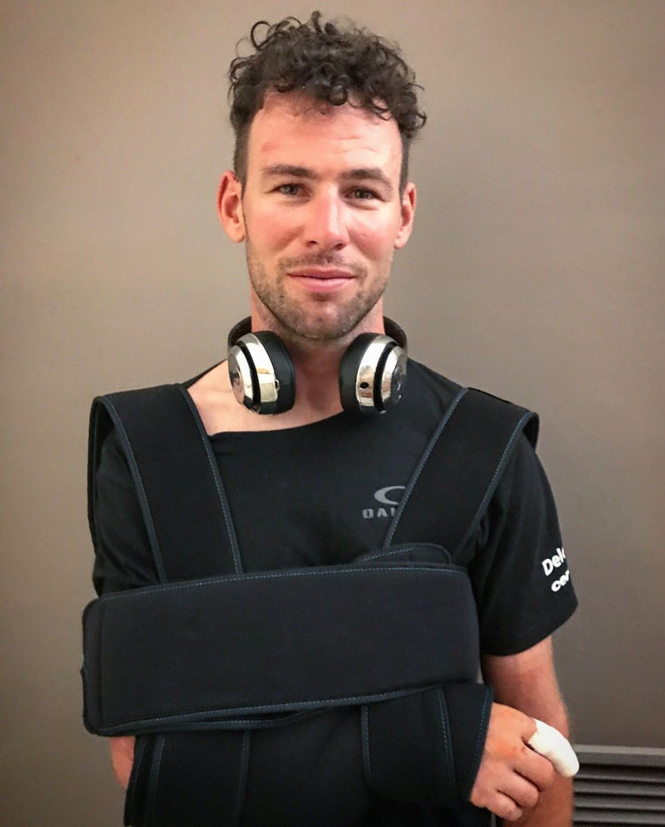 Finalmente, Cavendish abandona el #TDF2017. Factura en el hombro.