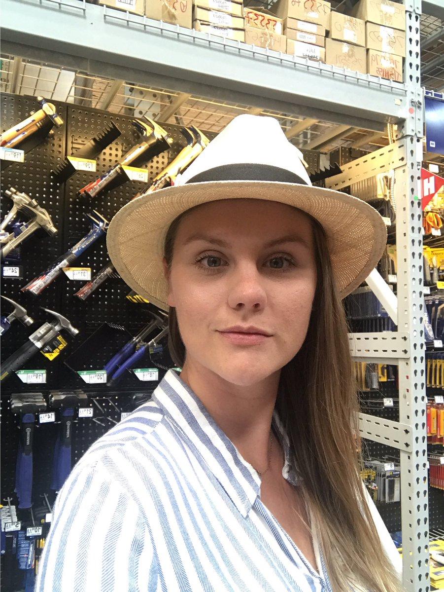 merica  Lowesfashion  thathammertho pic.twitter.com AAqZHtUvdl 6ac8775899
