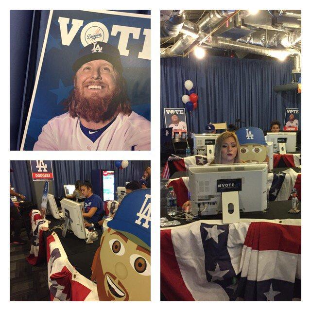 @dodgers new voting center. Get Justin Turner into @AllStarGame Vote till  Thursday details @foxla 5p https://t.co/kognE9YnmL