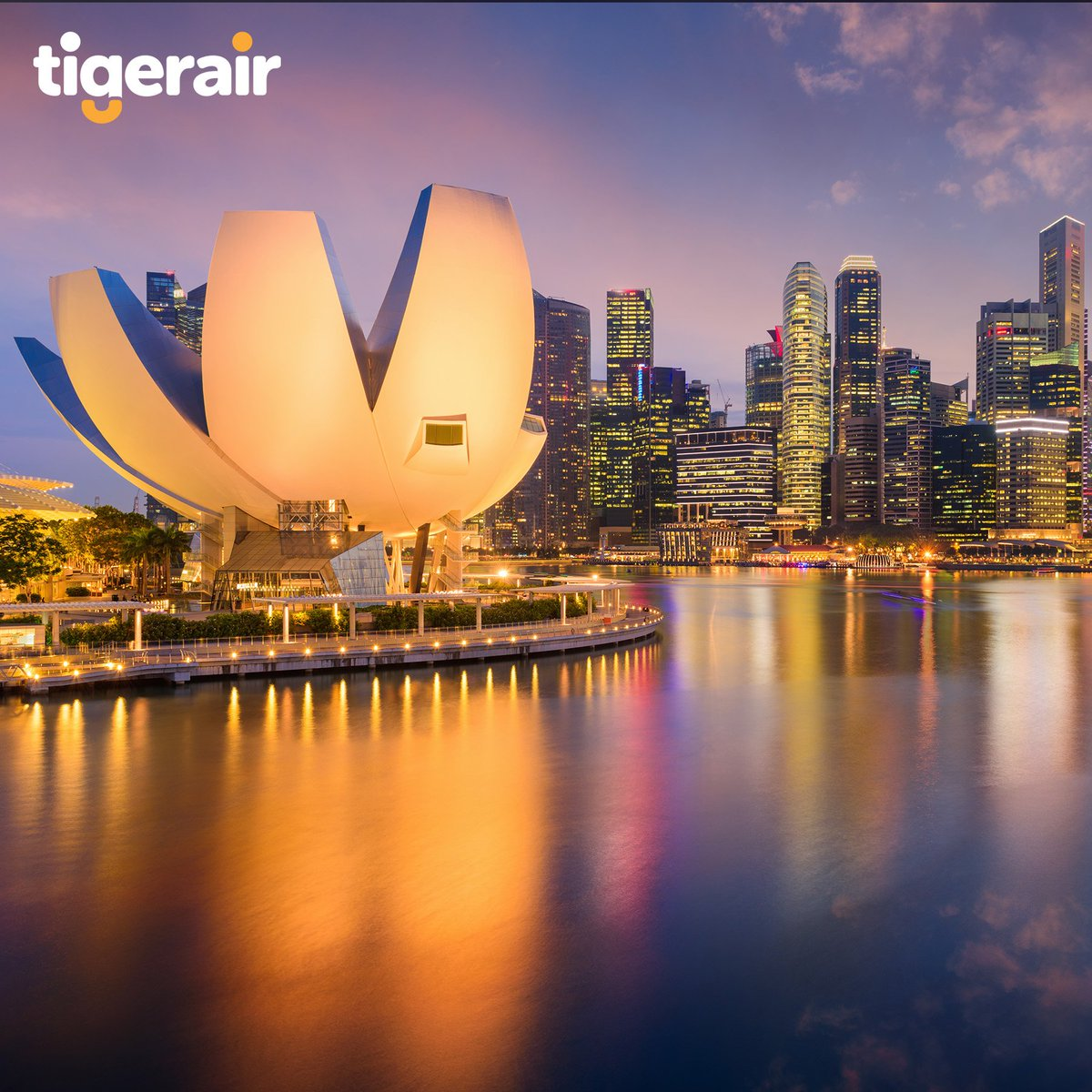 Visit Singapore's iconic buildings such as its lotus-shaped ArtScience Museum. Discover more exciting updates and deals over at @FlyScoot! https://t.co/14ay2huyng