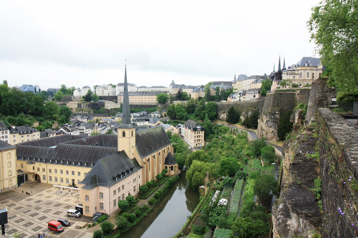 дважды фото города люксембурга для проекта помните