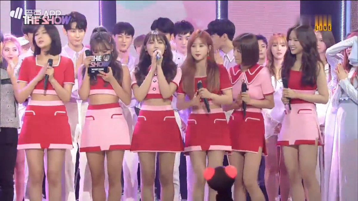 Apink won again!!!😭👏 #FIVE1stWin #FIVE2ndWin I\'m so proud of them... I\'m so proud to all of my co-pandas..😭👏
