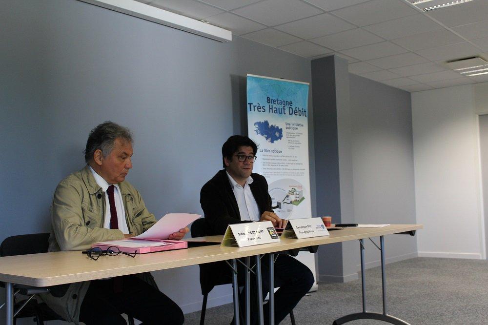 Mégalis Bretagne et l'ARO Habitat s'engagent en faveur du déploiement de la fibre optique dans le parc social breton https://t.co/tplihGl0Jo https://t.co/T6bZancbGL
