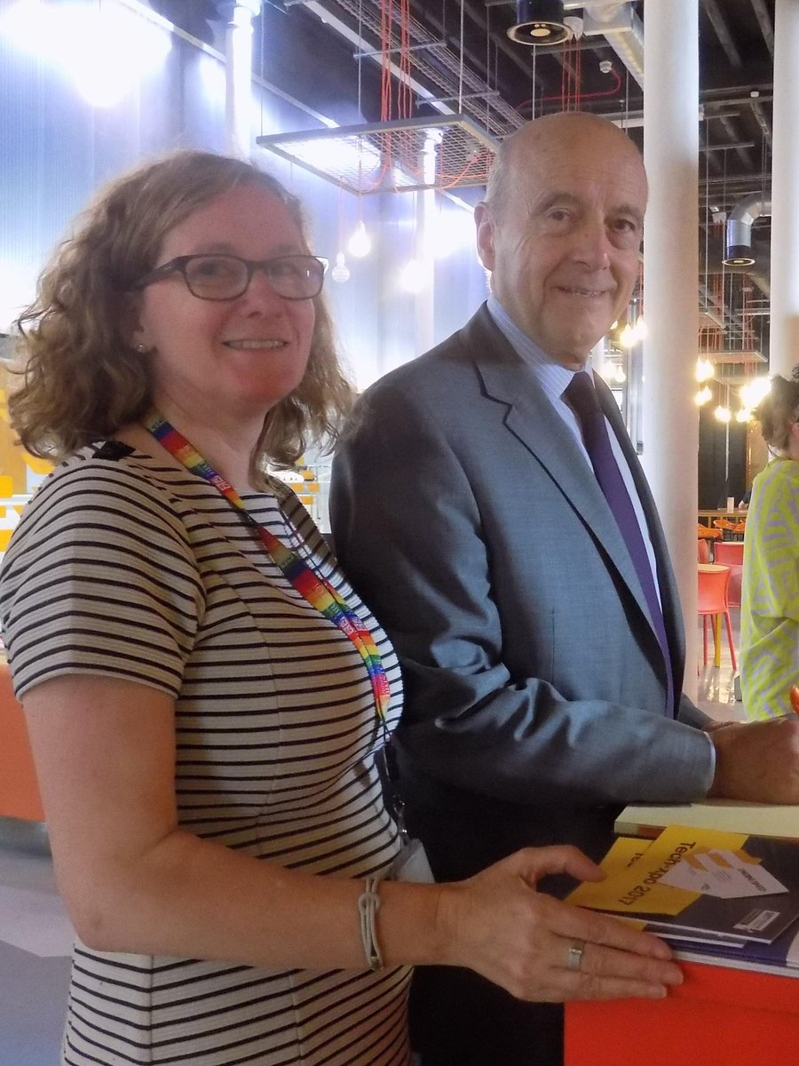 Pleased to welcome @alainjuppe #MayorBordeaux to #Bristol Engine Shed (with @KaiDeyDey)